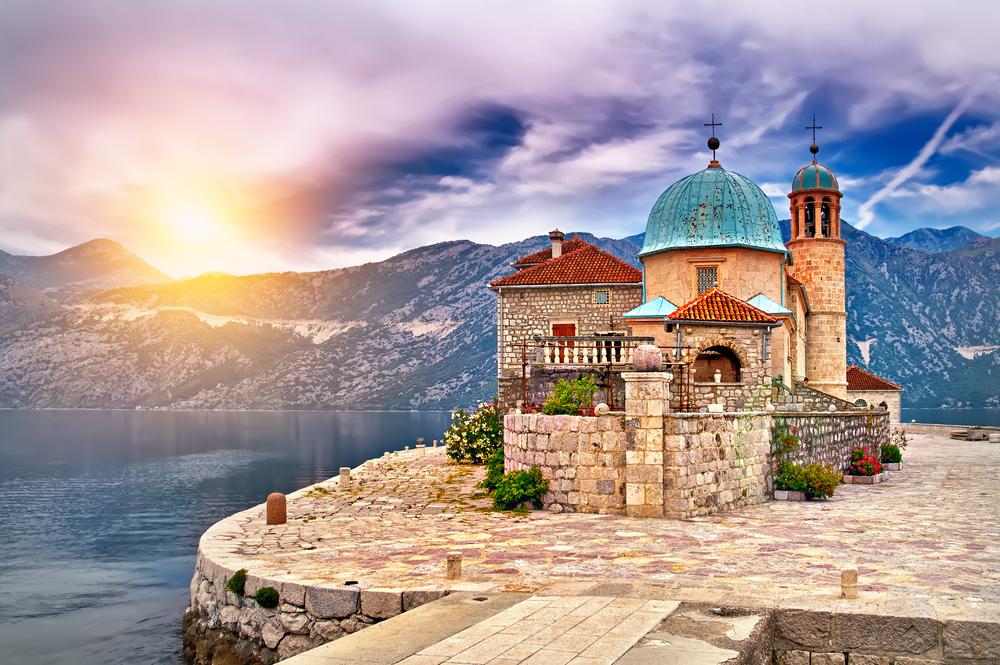 Zamek nad jeziorem