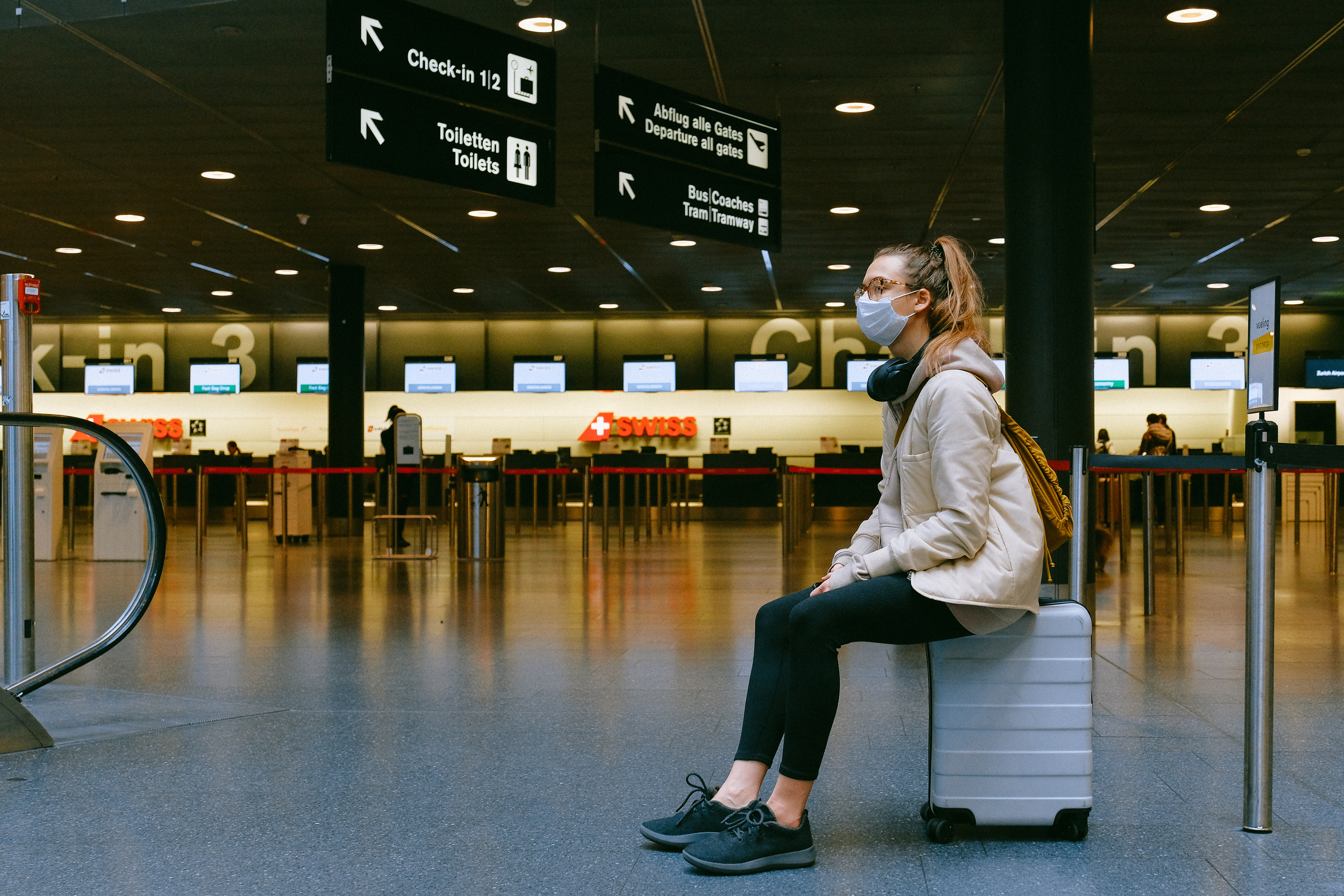maseczka na lotnisku