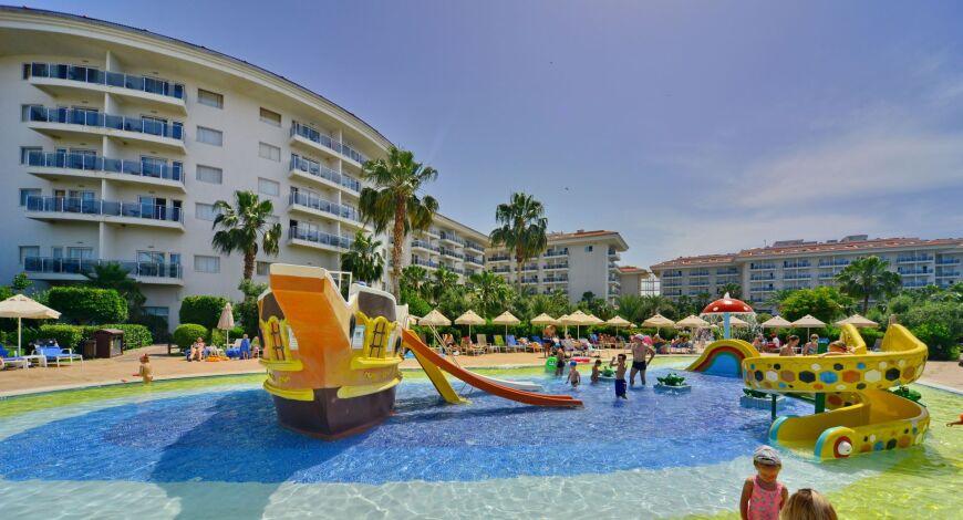 Seaden Sea World Resort and Spa